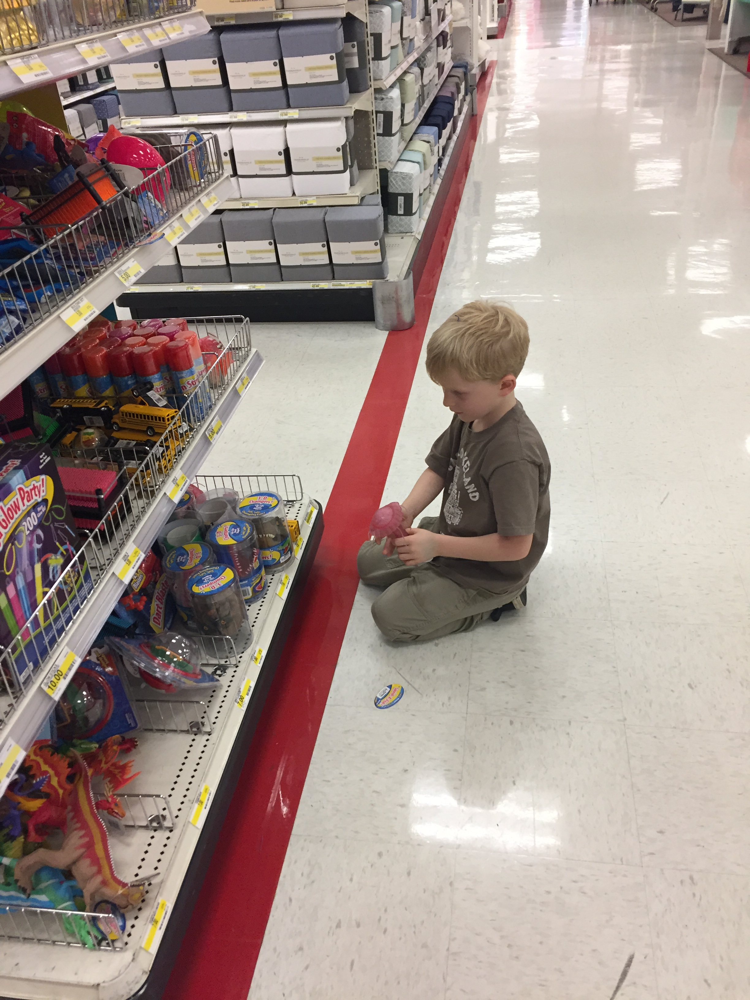 h-toy-aisle-target-12-16
